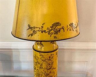 Vintage toile lamp
