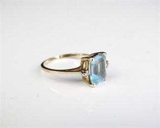 10kt Blue Topaz Diamond Ring