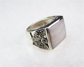 925 Sterling Silver & Mother of Pearl Ring, Size 6.5
