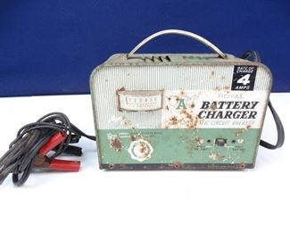 Vintage Royal Battery Charger with Auto Circuit Breaker