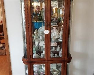 Lighted curio cabinet, flawless condition