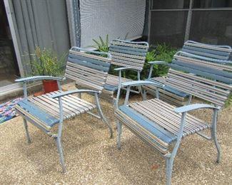 Set 4 patio chairs