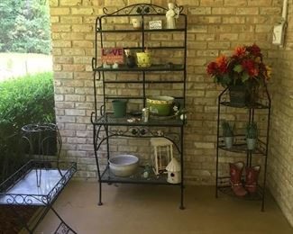 Patio finds/stand/flower pots