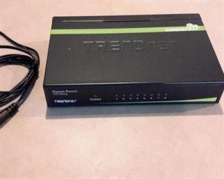 TRENDnet Gigabit Switch TEG-S80g, with box.