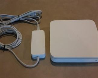 Apple Airport Extreme A1143.