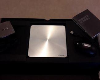 Asus Vivo PC VM42, like new in box.