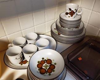 Vintage Noritake Dish Set