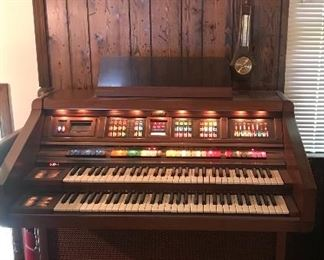 Lowrey 2 Board Organ with Bench