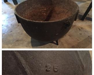 25 Gallon Cast Iron Cauldron Pot