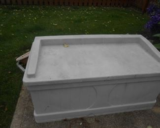 Resin outdoor chest