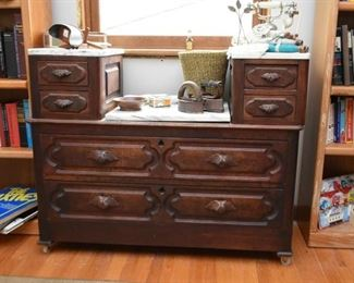 Antique Victorian Chest of Drawers with Marble Top