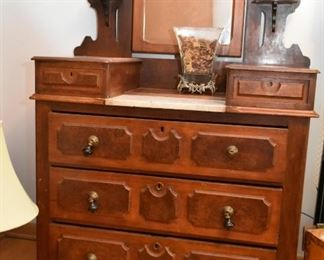 Antique Victorian Chest of Drawers with Mirror & Marble (missing some knobs)