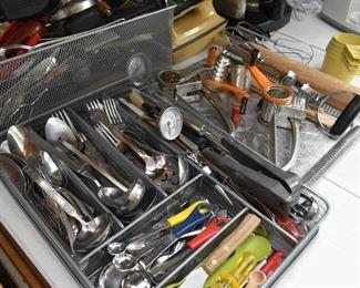 Kitchen Utensils & Flatware