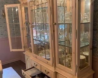 Thomasville china closet