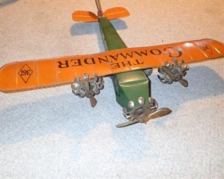 ANTIQUE METAL AIRPLANE / THE COMMANDER