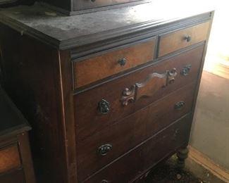 This gentleman's dresser is a nice 1930's/'40's-era dresser -- slight veneer damage.