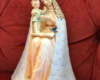 GOEBEL MOTHER W/CHILD  HOLDING BLUE BIRD