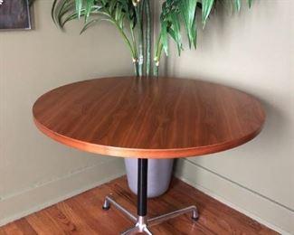 "Eames Herman Miller Dining Table, d-36""."