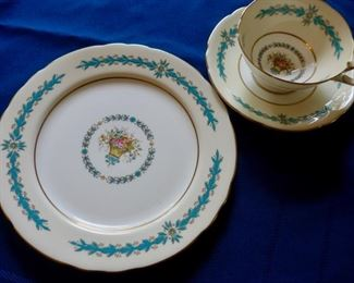 Aynsley Bone China  Circa 1939 -- Cambridge pattern Four sets of cups, saucers (5) and cake dishes (5)