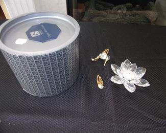 Swarovski crystal - Hummingbird. Pieces need re-gluing. No chips/breakage.