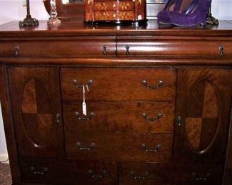 Wonderful dresser with mirror