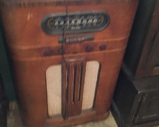 Vintage RCA Radiola