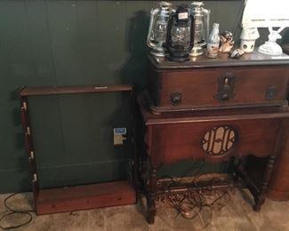 Gun rack, lanterns, vintage record player