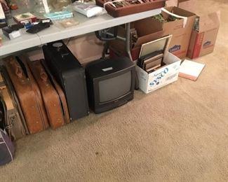 Small tv, frames, Miscellaneous