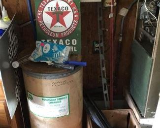 Garage - Texaco sign