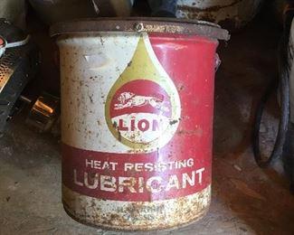 Vintage Lion Lubricant 5 gallon - no lid