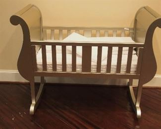 Upscale Modern Baby Crib (it rocks)