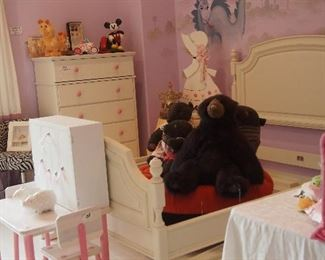 Upscale Children's Furniture, Toys, Overstuffed Ottoman, Luggage and Collectibles