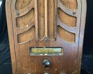"14. Antique General Electric Radio (11"" x 8"" x 16"")"
