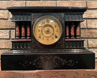 121. Mantle Clock (16.5'' x 7'' x 12'')