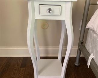 136. 1 Drawer Nightstand (12'' x 12'' x 29'')