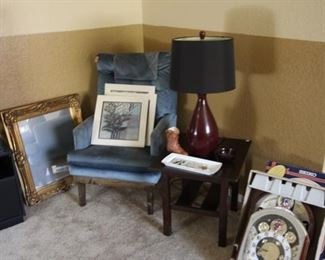 Misc furniture, artwork, lamps