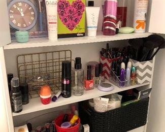 Toiletries, perfumes, etc.