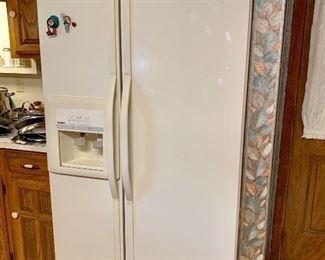 Double door refrigerator freezer
