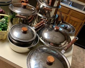 Cuisinart kitchen pots and pan collection stainless steel