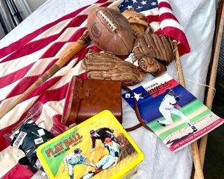 Vintage baseball memorabilia  Vintage lunch kit