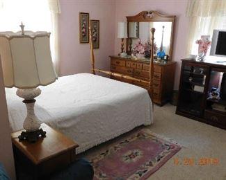 Four poster bedroom set.