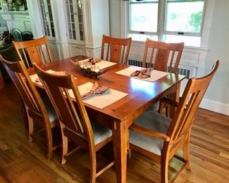 Arts & Crafts style dining room table & chairs