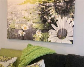 Pillows & wall decor