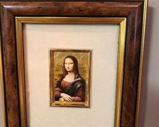 everyone needs the smile of Mona LIsa