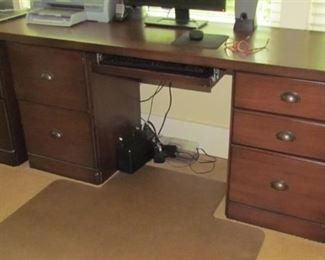 Modern modular desk with removable top, keyboard platform
