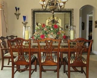 Henredon Aston Court Dining Room Table Set w/8 Chairs & 2 Leaves