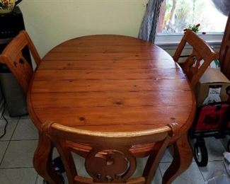 Pine Wood Kitchen table wth middle insert 3 chairs