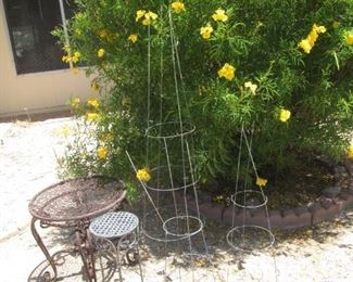 Plant Stands & Planting Aids