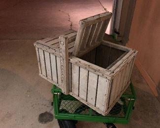 Small vintage rabbit or chicken coop, very unusual