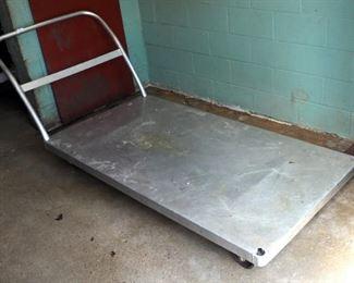 Metal Rolling Cart 6' x 3'